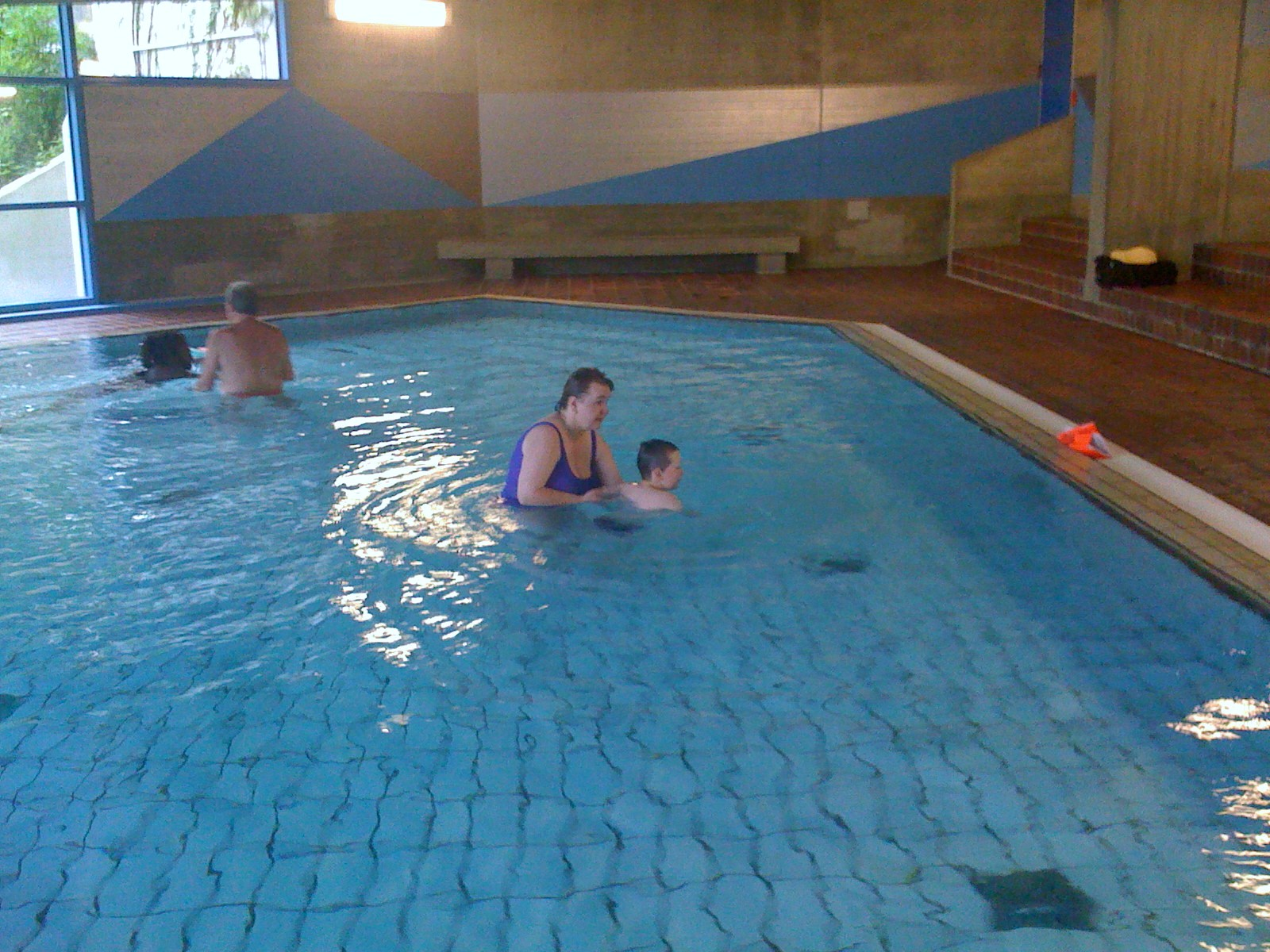 Schwimmbad höchberg